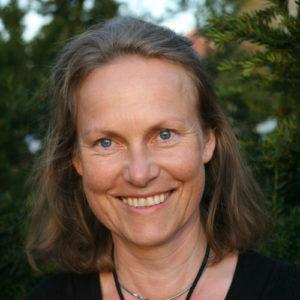 Kuvassa tutkija Marika Mannerström. Hänen mukaansa eläinten hyväksikäyttö on aikansa elänyttä toimintaa. Kuva: Miku Pesonen.