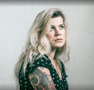 Kuvajournalisti Emmi Kähkönen