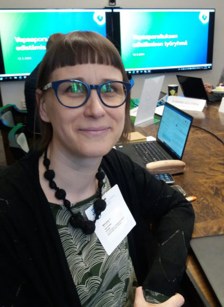 Animalian toiminnanjohtaja Heidi Kivekäs vapaaporsitusta selvittävässä työryhmässä maaliskuussa 2020.